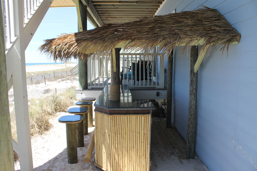 7473 Gulf Blvd Tiki Bar.jpg